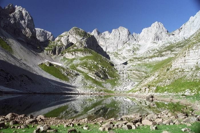 http://cerna-hora.xf.cz/040-prokletije-albanie.jpg